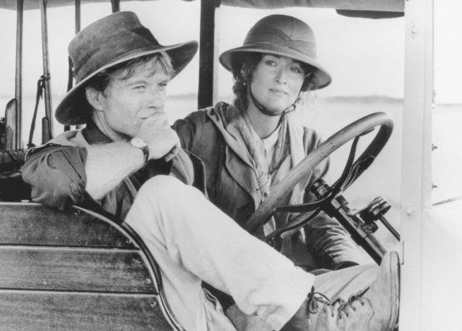 """Meryl Streep y Robert Redford en sus personajes de la película """"Memorias de África"""""""