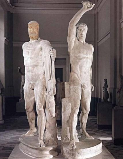 Grupo escultórico que representa a los asesinos del tirano Hiparco de Atenas.