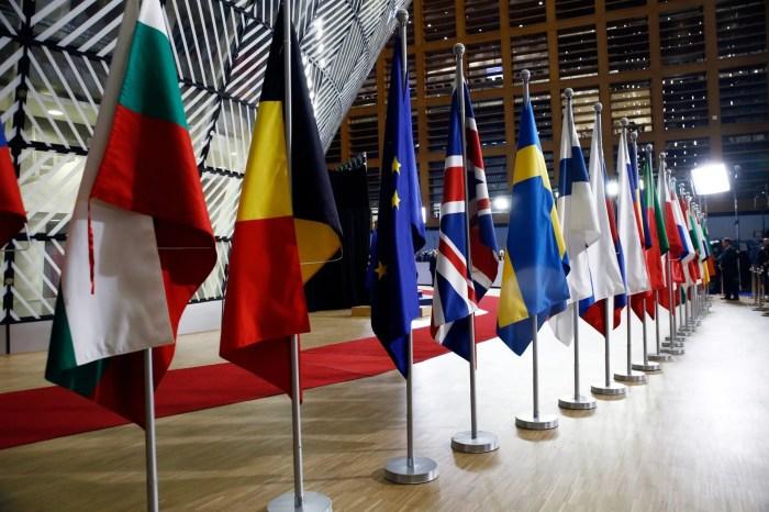 Komisioneri i ardhshëm i zgjerimit, Hungaria dhe Slovenia zyrtarizojnë kandidatët