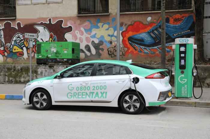 Green Taxi kërkon Falje për Qëndrimin Transfobik të Stafit