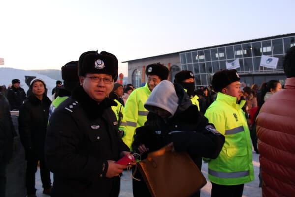 policia-china-3