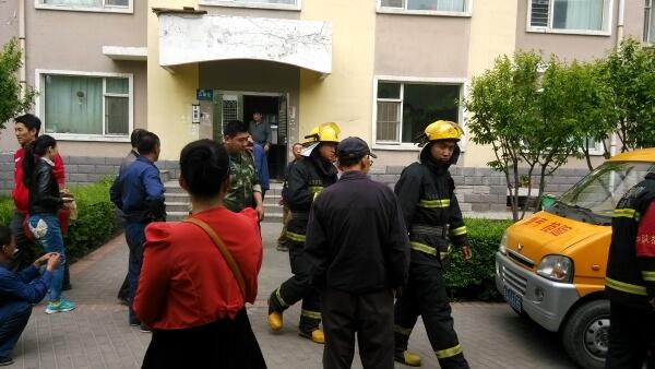 """La seguridad del """"gran hermano"""" chino y la de su uniformado primo"""