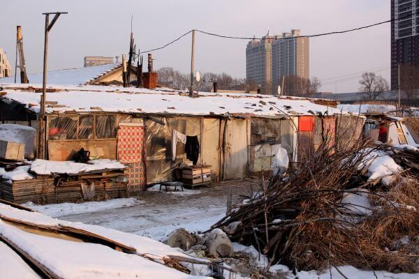 De cosechar maíz a recoger basura: las paradojas del desarrollo urbano en la China campesina