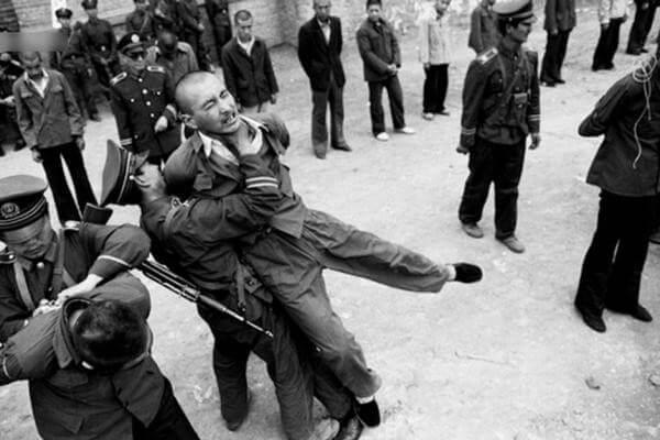 mano-dura-china-preso-1