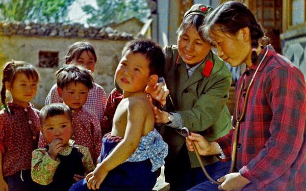 El desafío de ofrecer sanidad pública en el país más poblado de mundo