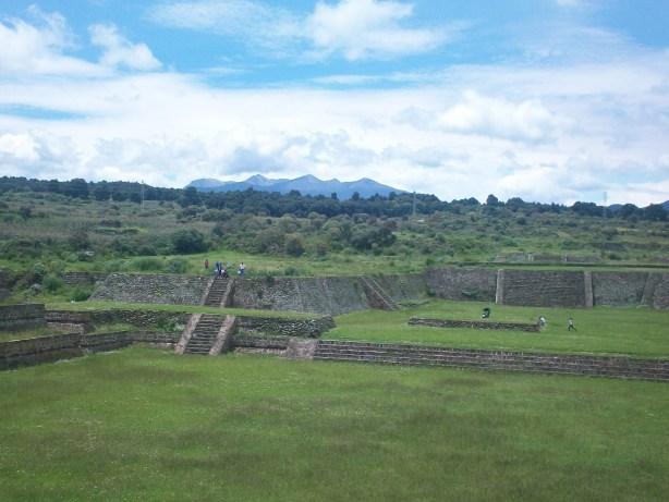 Sitio de Teotenango al fondo el Nevado de Toluca