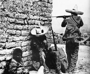 Revolucionarios en la batalla de Ciudad Juárez