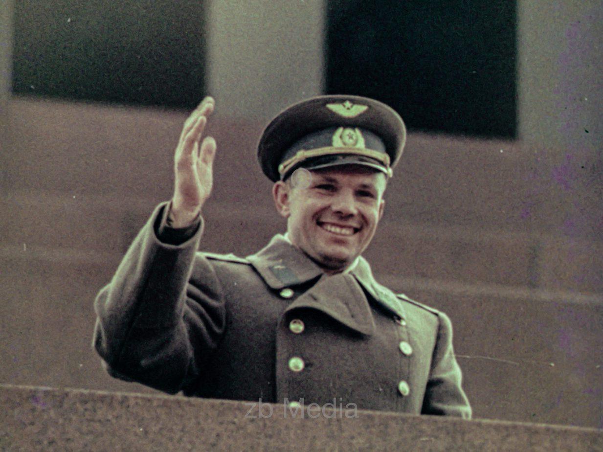 Juri Gagarin am Roten Platz in Moskau