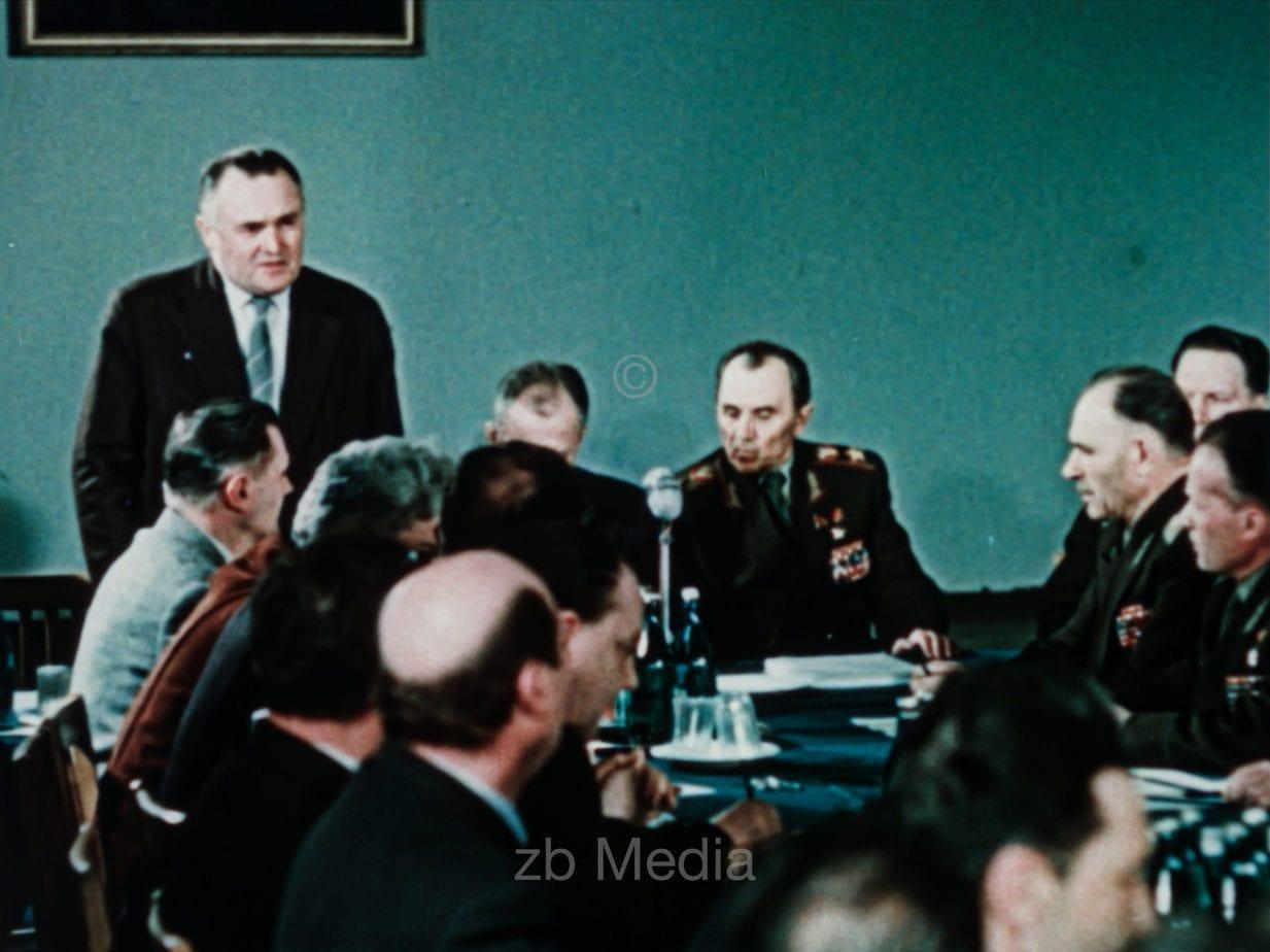 Sergei Pawlowitsch Koroljow und Team