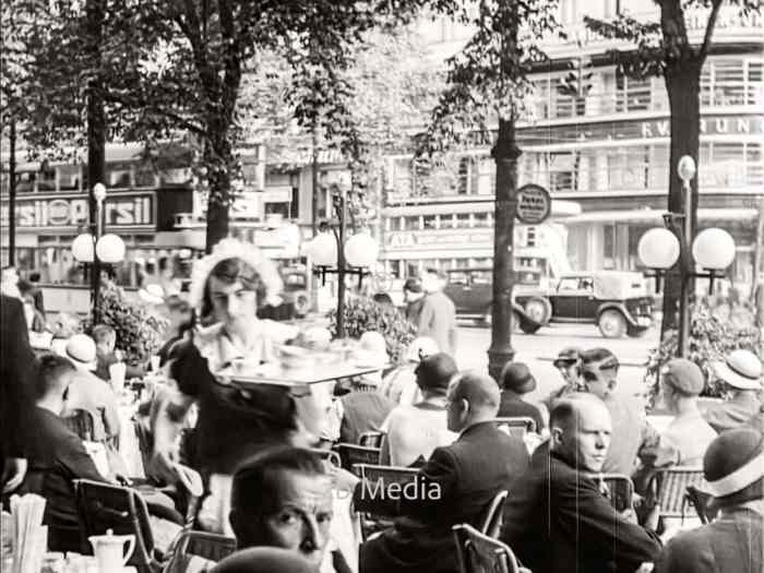 Café Kranzler in Berlin 1930