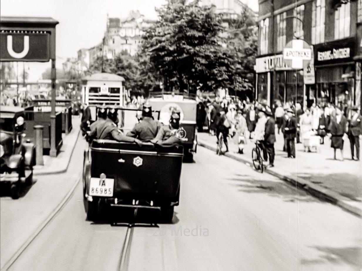 Polizeiwagen in Berlin 1930