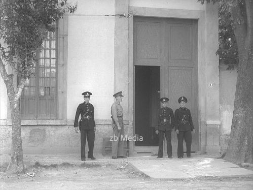Casa Azul mit Polizeischutz