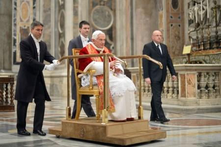 sedia gestatoria paus Benedictus XVI