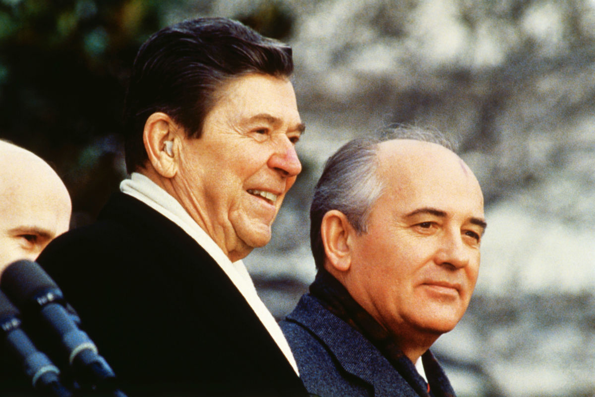 President Reagan To Gorbachev Tear Down This Wall