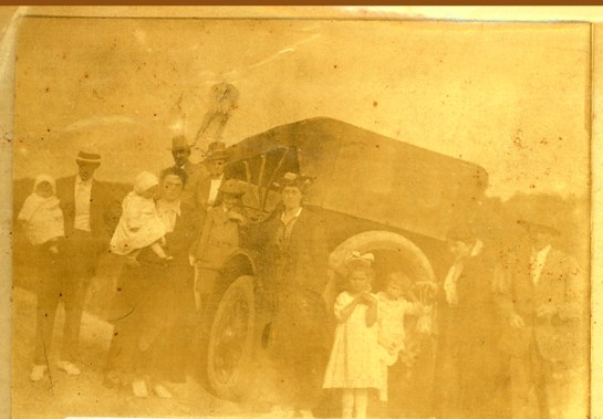 Conway cousins with John Thomas Conway's 7 seater Chandler Auto c 1915 cropped
