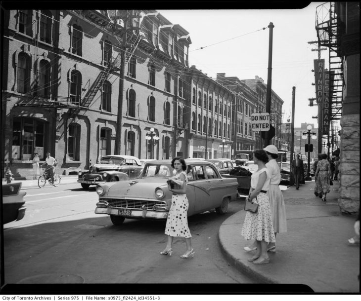 I've receive that same look. It's truly timeless. Photo taken on June 17, 1957 by the Gilbert A. Milne Company for Thompson Petersen Advertising. Source: City of Toronto Archives, Fonds 1653, Series 975, File 2424, Item 34551-3.