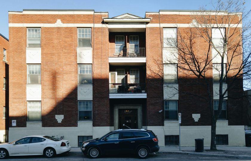 The Bessborough Apartments, 215 Gladstone. Image: March 2016.