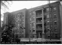 Kingsley Mansions, at King and Jameson. Image: City of Toronto Archives, Fonds 200, Series 372, Subseries 3, Item 1348.