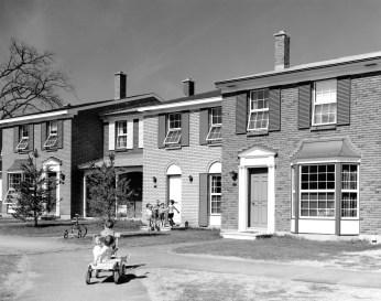 Leslie Park garden homes at Redwood Court. Image: CMHC 1969-289 Image 2. Taken May 9, 1969.
