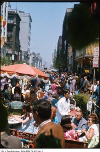 Yonge. Image: City of Toronto Archives, 1465, File 312, Item 2.