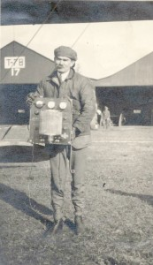 Lee de Forest tests first airborne radiotelephone equipment
