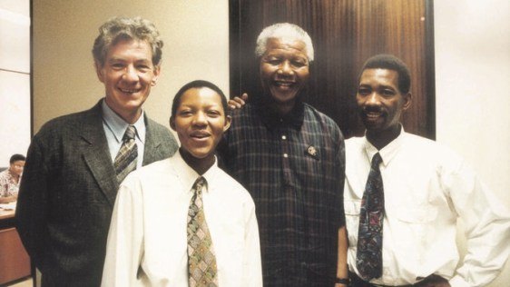 Phumi Mtetwa and Simon Nkoli, as representatives of the National Coalition for Gay and Lesbian Equality, met with Nelson Mandela in February 1995.