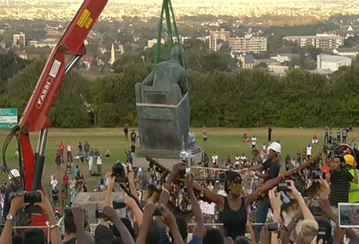 Statue of Cecil Rhodes being removed. Image from You Tube screenshot