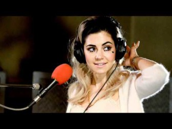 Marina And The Diamonds Boyfriend (BBC Radio 1 Live Lounge)