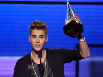 american-music-awards-justin bieber
