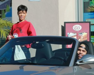 Rihanna και Chris Brown LA car