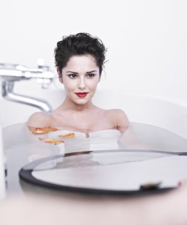 Cheryl Cole L'Oreal photoshoot!