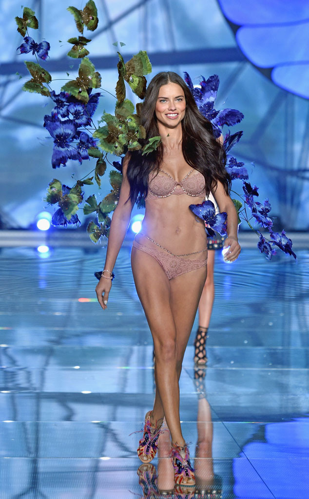 Victoria's Secret Fashion Show 2015 30