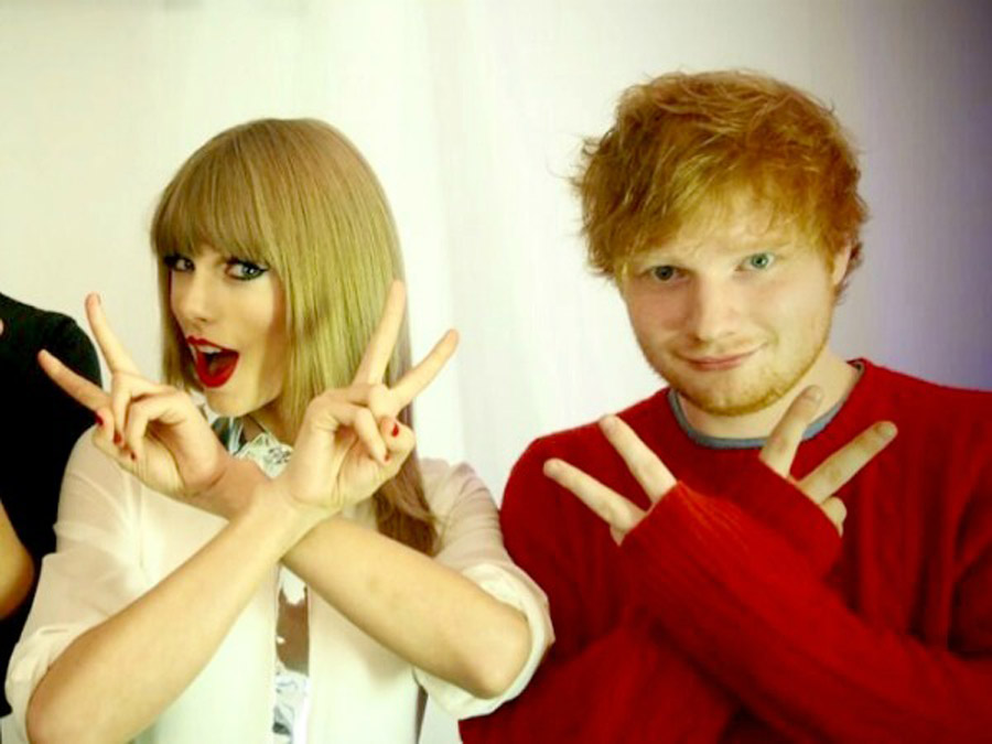 """Taylor Swift & Ed Sheeran τραγουδάνε """"Baby One More Time"""" (video)"""