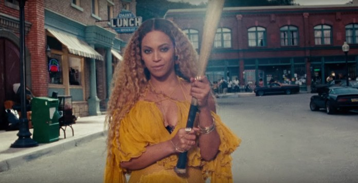 Beyonce - Hold Up (video clip) - Hit Channel