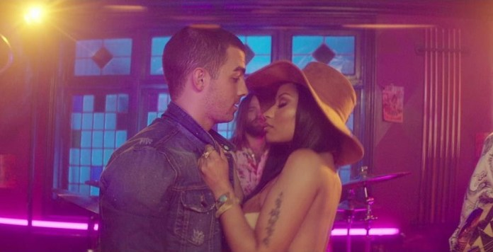 DNCE ft Nicki Minaj - Kissing Strangers (video clip) - Hit Channel
