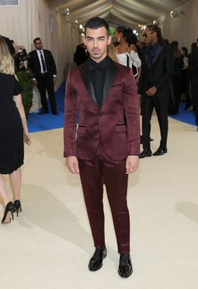 Joe Jonas - Met Gala 2017 - Hit Channel