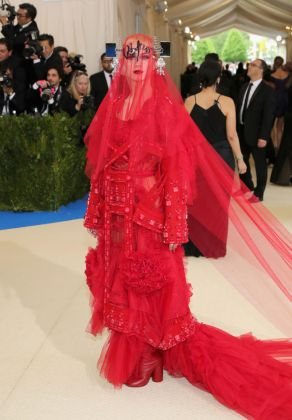 Katy Perry - Met Gala 2017 - Hit Channel