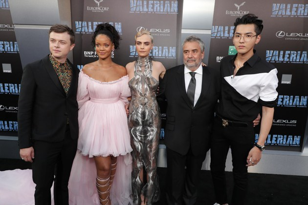 Rihanna - Valerian and the City of a Thousand Planets (Hollywood premiere) - Hit Channel