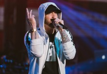 Eminem (live) - Hit Channel