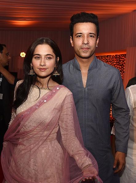 L'acteur de télévision indien Aamir Ali Malik et sa femme Sanjeeda Sheikh assistent à une soirée Iftar organisée par le politicien Baba Siddiqui pendant le mois sacré islamique du Ramadan, à Mumbai le 2 juin 2019 (Photo: Sujit Jaiswal / AFP) (Photo crédit doit se lire SUJIT JAISWAL / AFP via Getty Images)