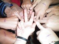 HandsHuddle