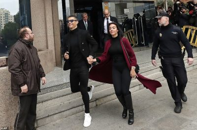 Cristiano Ronaldo And His Fiancee Arrive Court In Style