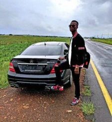 King Monada ft Lebb Simmons & Hendy Boy – Modimo O Gona