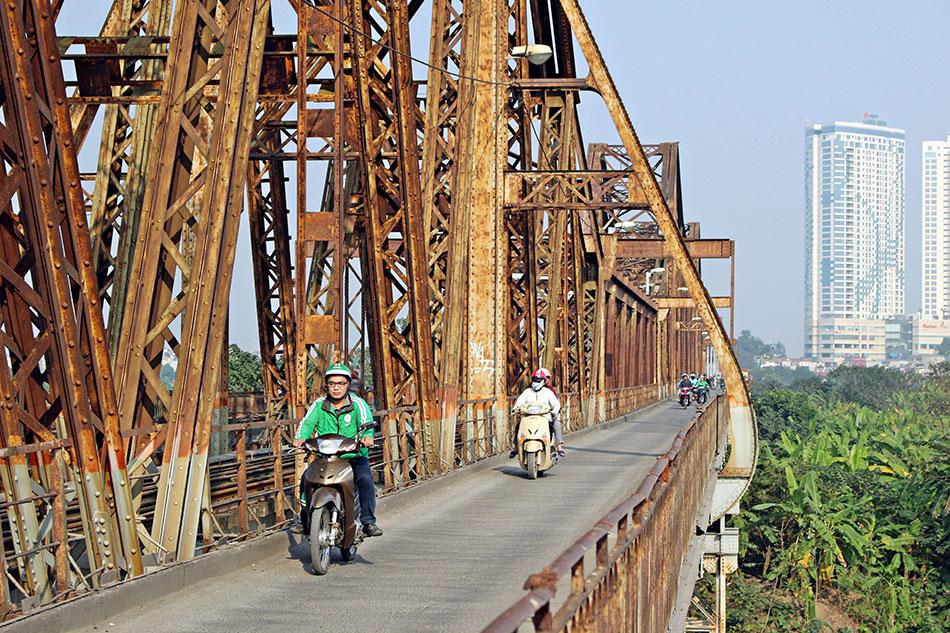 Une visite à ne pas rater lors d'un séjour à Hanoï? Le pont Long Bien.