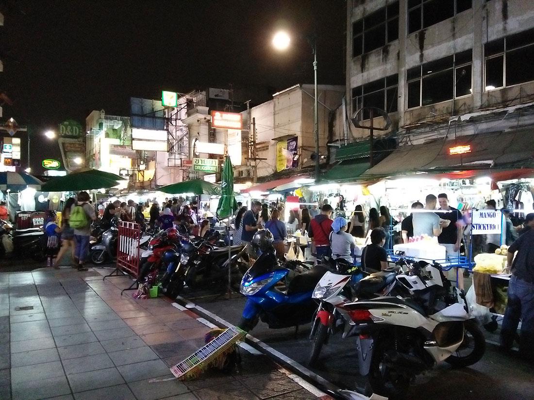 Que faire à Bangkok? Aller faire un tour à Khao San road entre autres.