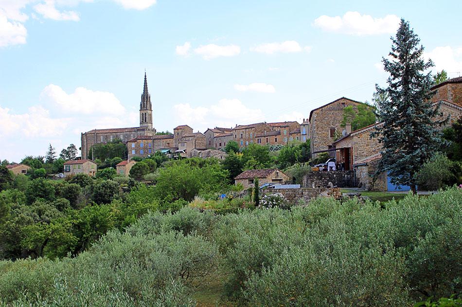 Banne compte parmi les plus beaux villages du Sud Ardèche mais également de France.
