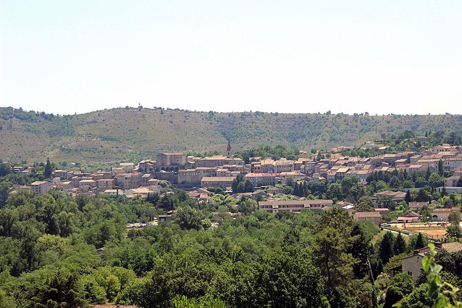 Joyeuse compte parmi les plus jolis village du Sud Ardèche.