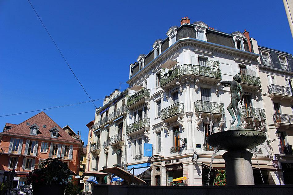Séjour à Aix-les-Bains, ville thermale depuis l'époque romaine.