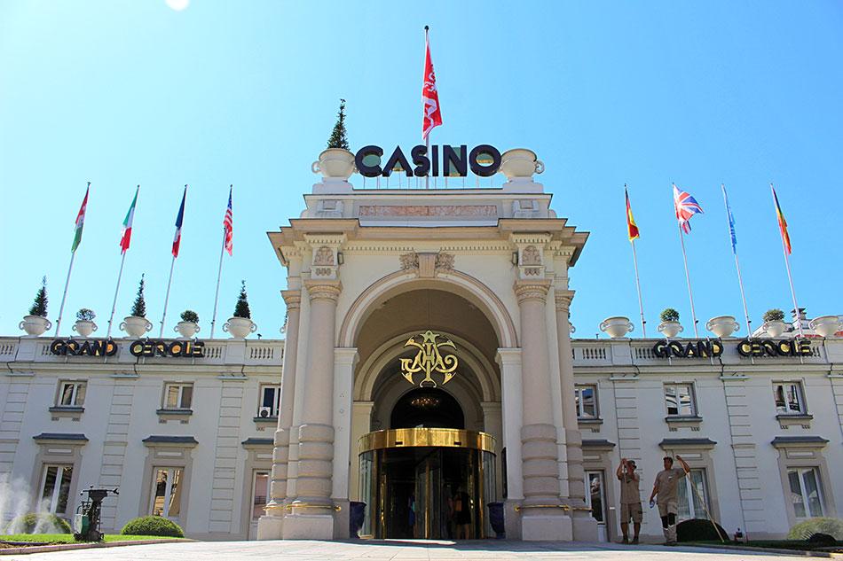 Le Casino Grand Cercle d'Aix-les-Bains dans le département de la Savoie en France