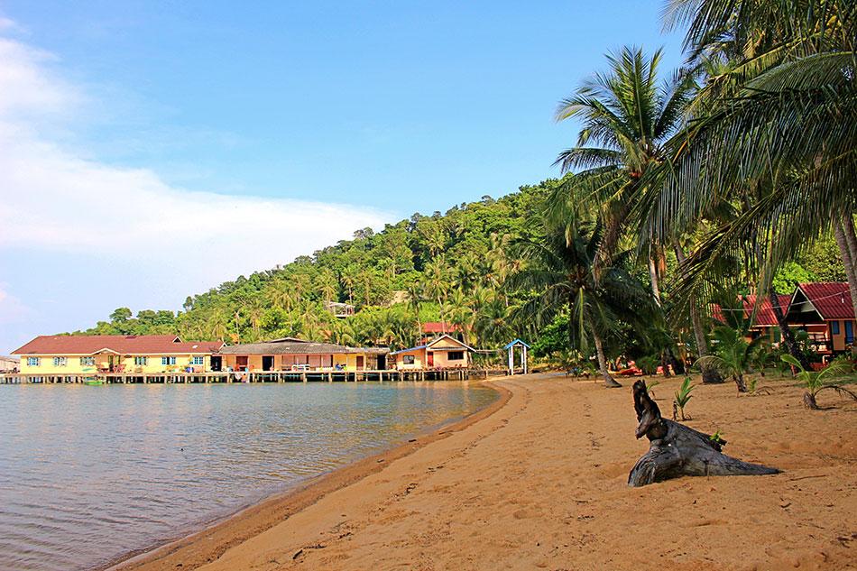 Baie de Bang Bao au sud de l'île de Koh Chang en Thaïlande